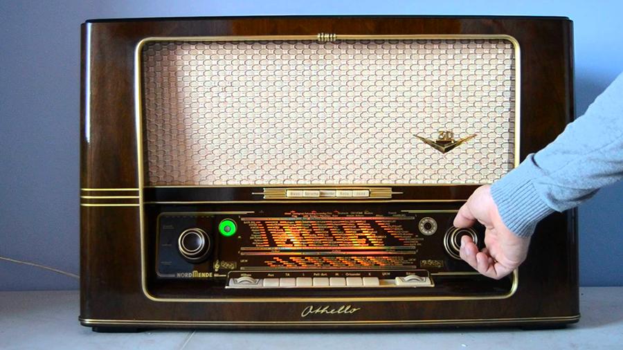 Multiband Othello Radio